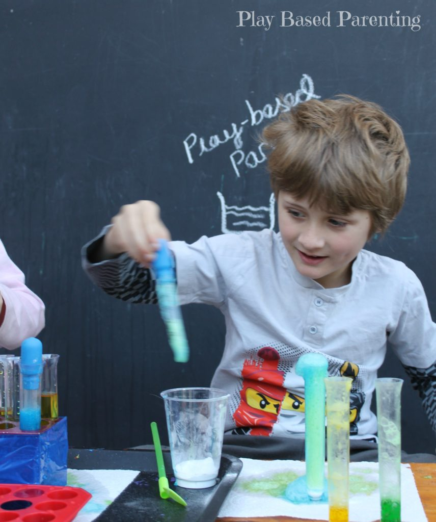 kids-science-with-vinegar-bicarb-play-based-parenting
