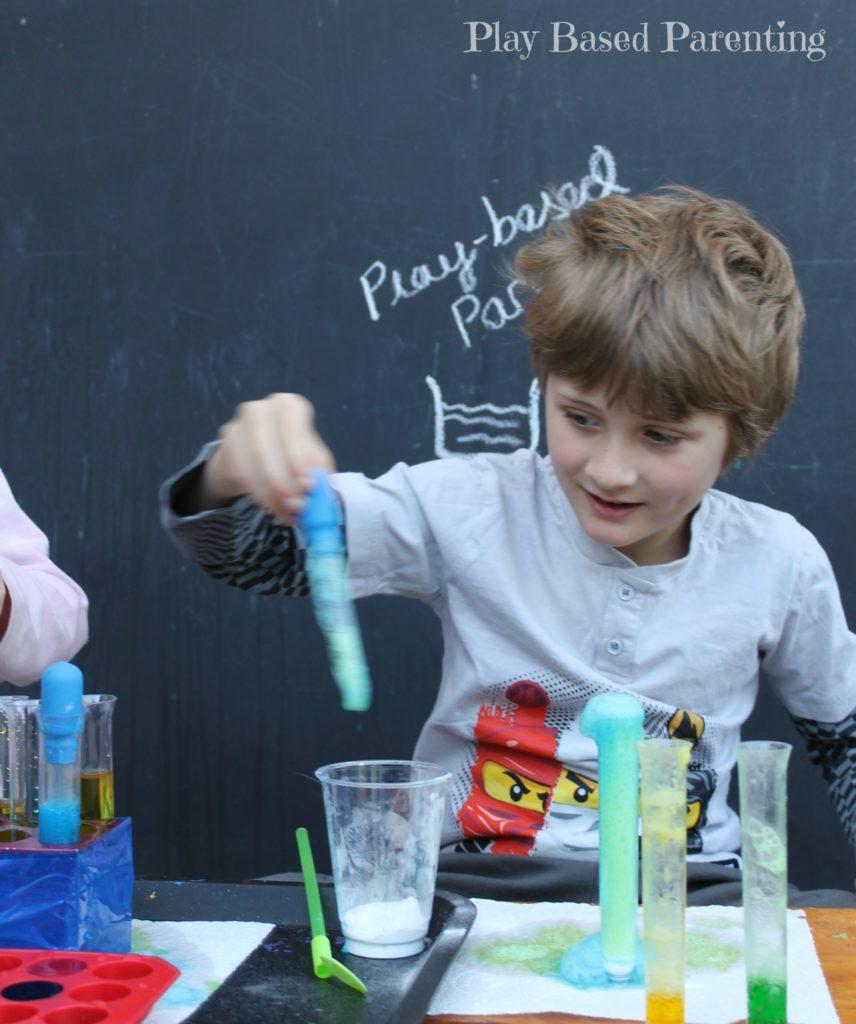 kids-science-with-vinegar-bicarb-play-based-parenting